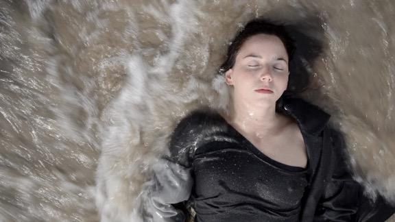 Camille LORIN, Ressac, Vidéo HD, 2017, Projection en boucle