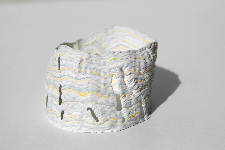 Plat de résistance, 7x5x10 cm, plâtre, pigments, 2017