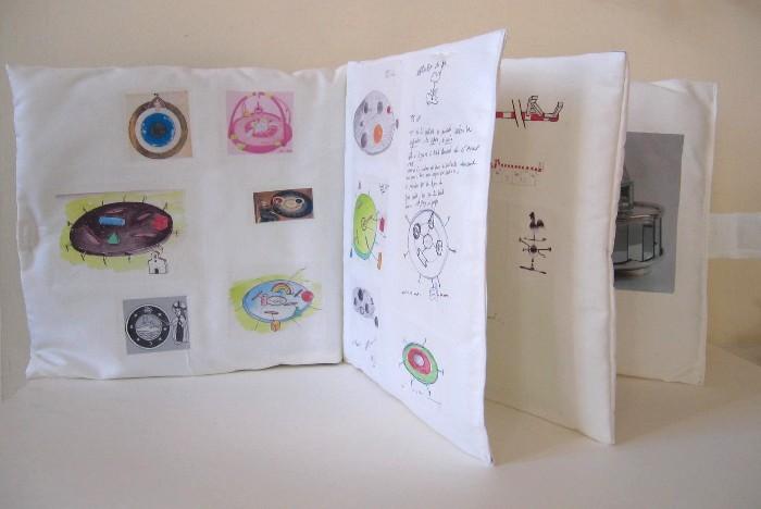 Laurent Suchy, études pour : là - livret tissu